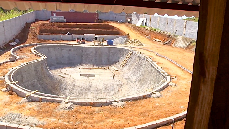 O bowl em construção vista de cima do Half Pipe de Rony Gomes