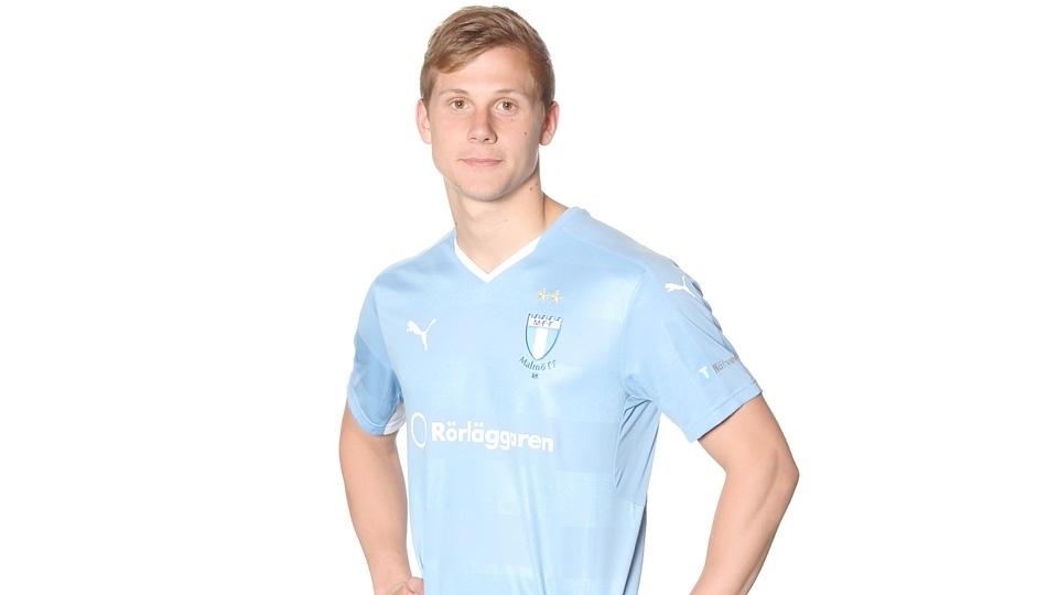 O volante Erik Andersson foi contratado pelo Malmo junto ao Landskrona, acabou emprestado ao Trelleborgs FF e retornou ao final de 2016