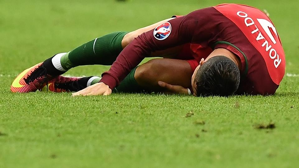 Cristiano Ronaldo foi substituído aos 24 minutos do primeiro tempo