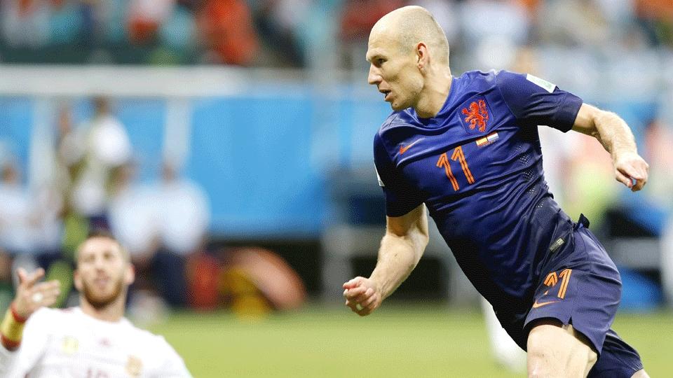 Robben comemora segundo gol da Holanda