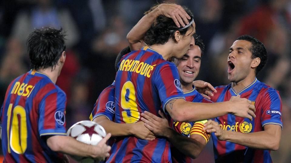 """...Messi, Xavi, Iniesta, todo o  grupo... Eram como alunos. Os melhores jogadores do mundo ficavam ali, com a cabeça baixa. Era ridículo"""""""