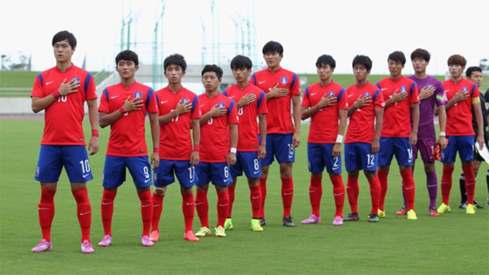 O atacante sul-coreano Seo Jung-Hyun permanece no Pohang Steelers
