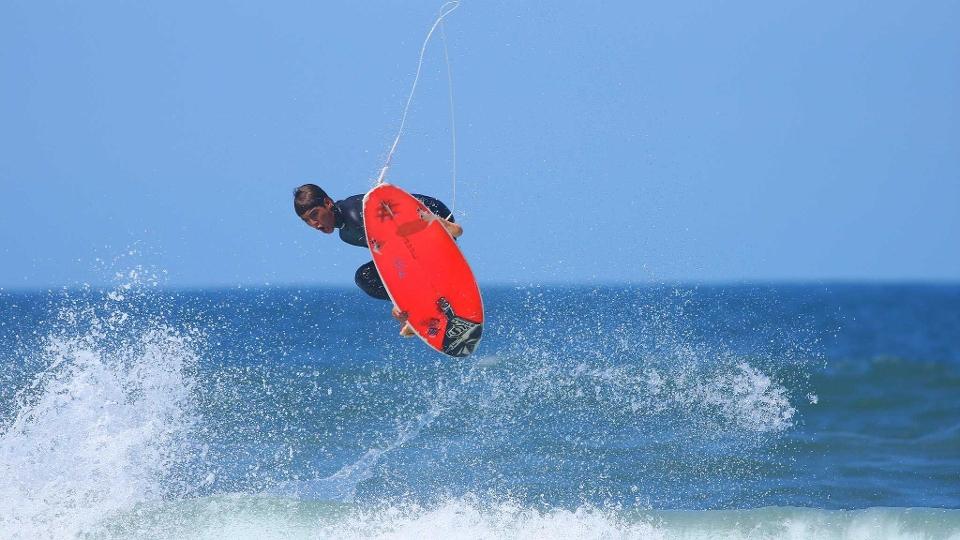 A facilidade de voar já chamava a atenção da comunidade do surf na praia de Maresias, em 2008.