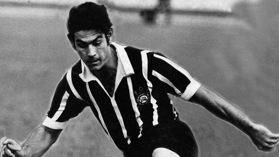 Rivellino em ação pelo Corinthians, em 1969