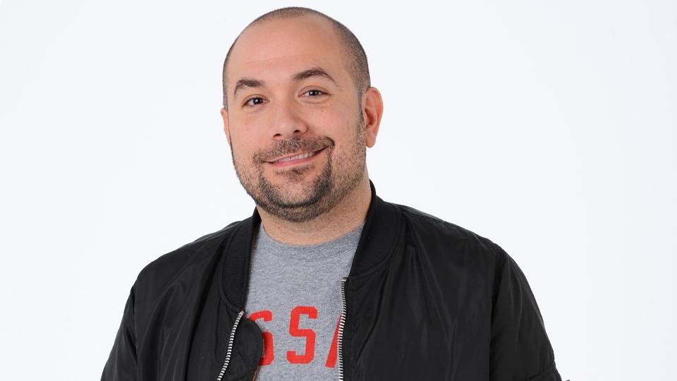Peter Rosenberg é personalidade da mídia e trabalha com programas de rádio