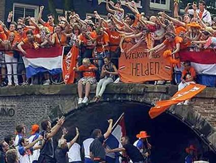 Holandeses receberam vice-campeões mundiais com festa