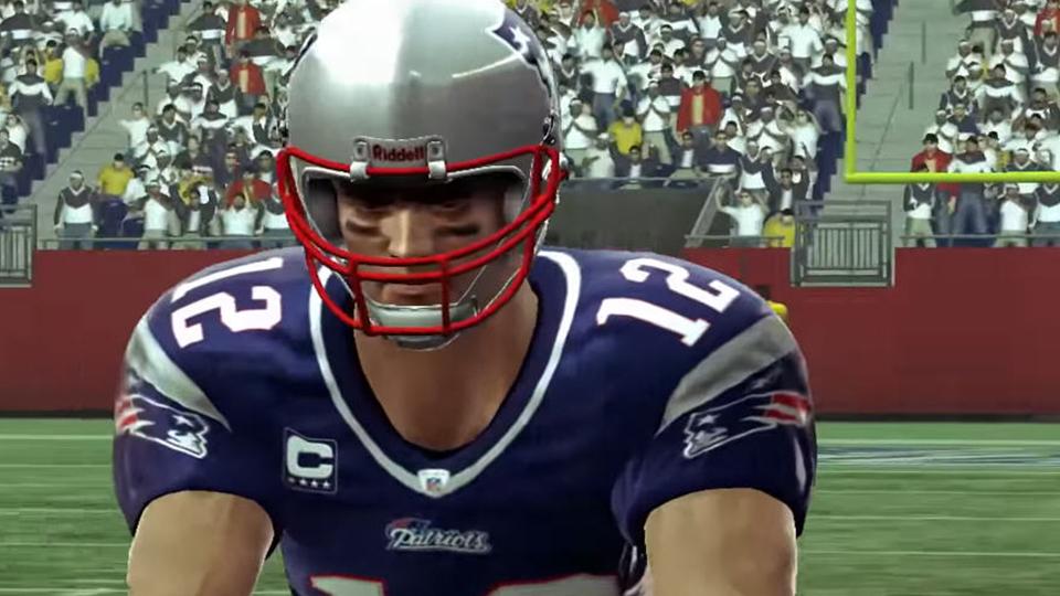Após a temportada regular perfeita de 2007 e a contusão de 2008, Brady alcança o rating de '99' por dois anos seguidos..