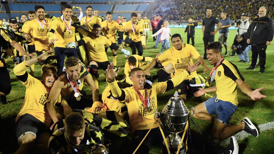 Peñarol (Uruguai) - fase de grupos - campeão uruguaio