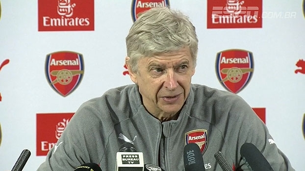 Wenger projeta alcançar o Chelsea, usa Leicester como exemplo e pede 'começo forte' no clássico