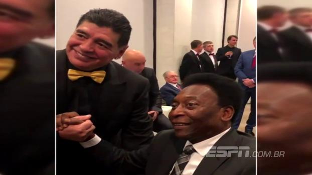 Pelé e Maradona se encontram durante sorteio da Copa do Mundo na Rússia