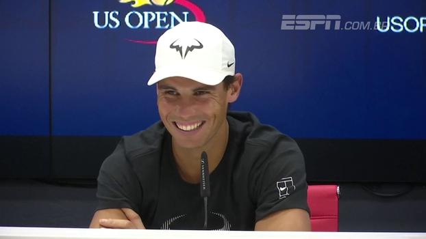 Repórter faz pergunta inusitada sobre Federer, e Nadal se diverte: 'Não quero passar a impressão de que quero ser namorado dele'