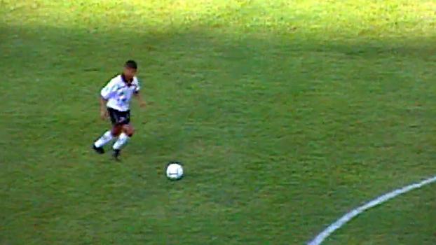 Marcelinho Carioca bateu falta com perfeição, e Corinthians superou o Botafogo em 1998
