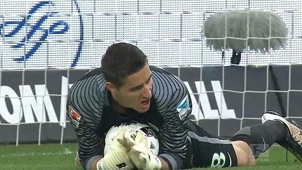 Tempo real: CASTEELS! Goleiro do Wolfsburg faz duas grandes defesas parando o ataque do Bayern