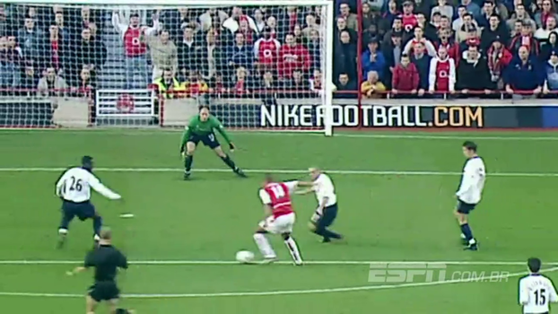 Contra o Tottenham em 2002, Henry fez tudo sozinho, arrancou do campo de defesa e marcou golaço