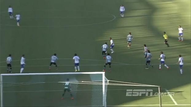 No Japão, Ademilson acerta belo chute de fora da área e garante a vitória do Gamba Osaka