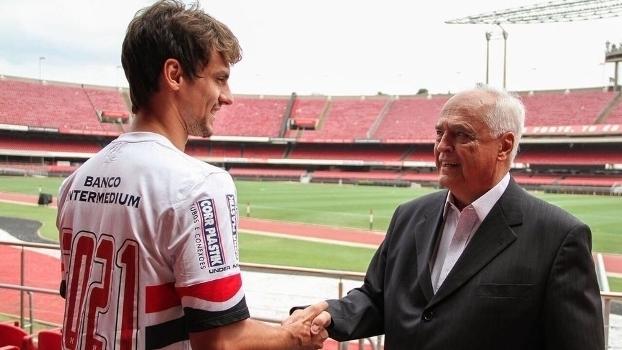 Rodrigo Caio renova com o São Paulo até 2021; veja lances do principal zagueiro do clube