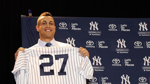 Giancarlo Stanton assina com os Yankees, e Paulo Antunes diz: 'A troca é fantástica para quem tem saco sem fundo'