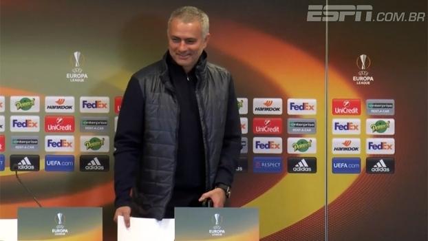 Carona? Mourinho arranca risadas de jornalistas após entrevista na França