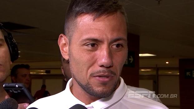 Diego Alves diz que se sente em casa no Fla e coloca reação contra o Flu como jogo mais emocionante da vida