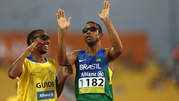 Saiu a primeira medalha! Na Paralimpíada, Odair Santos conquista o ouro no 5 mil metros T11