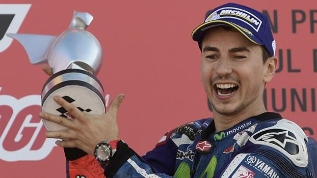 Lorenzo domina toda a corrida e vence MotoGP de Valência