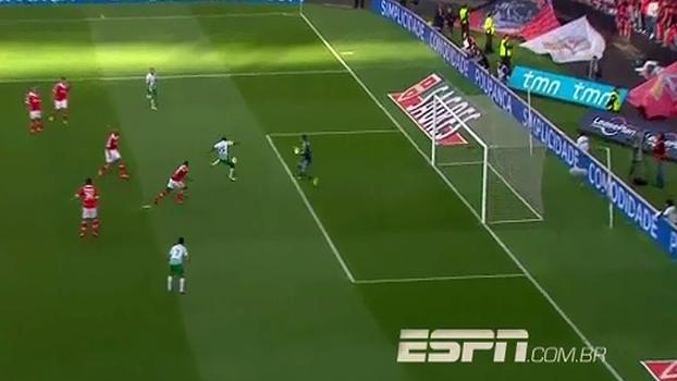 f8bccee5c4 VÍDEO  Gol do Moreirense! Brasileiro abre o placar para os ...
