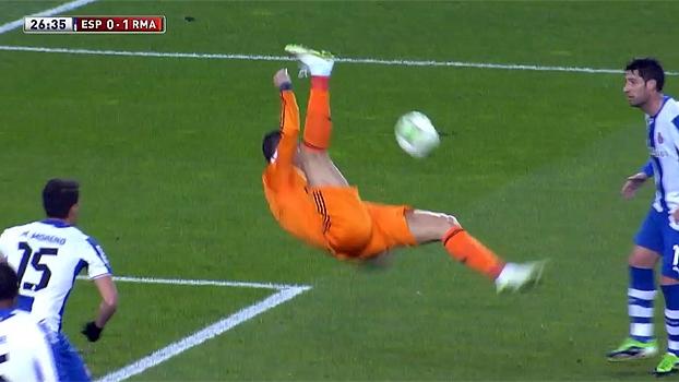 7d66badcd2 Tempo real  Furou! Cristiano Ronaldo tenta dar bicicleta