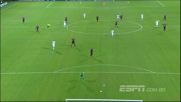 Goleiro da Sampdoria foi dar AQUELE lançamento, mas mirou errado e fez essa lambança