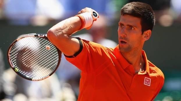 Após ter partida adiada, Novak Djokovic vence Andy Murray por 3 a 2