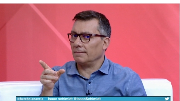 CR7, R10 ou Fenômeno? Paulo Calçade opina sobre 'Ronaldos'; Veja!