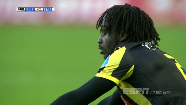Inacreditável! Na liga holandesa, jogador faz golaço contra de cobertura