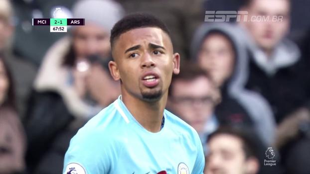 Gabriel Jesus saiu do banco, fez gol, quase fez outro e fechou a vitória do City sobre o Arsenal