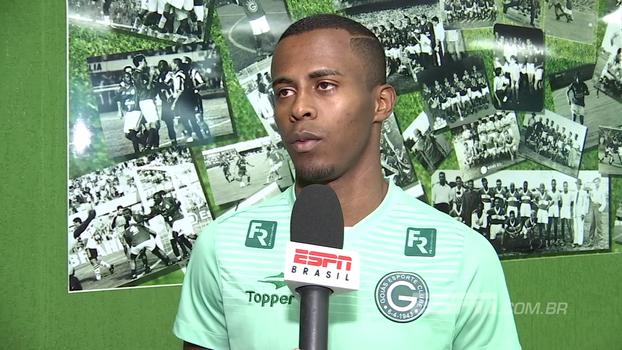 Destaque do Goiás, Carlos Eduardo se diz feliz pelo interesse do São Paulo