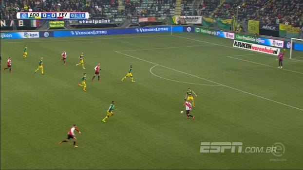 Feyenoord sofre, arranca empate no fim e segue sem vencer no Holandês