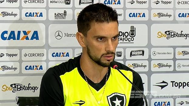 Rodrigo Pimpão comenta vitória sobre o Olimpia e fala em não ser surpreendido no jogo de volta