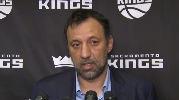 Ex-jogador e agora dirigente dos Kings, Vlade Divac admite que time recusou oferta melhor por Cousins