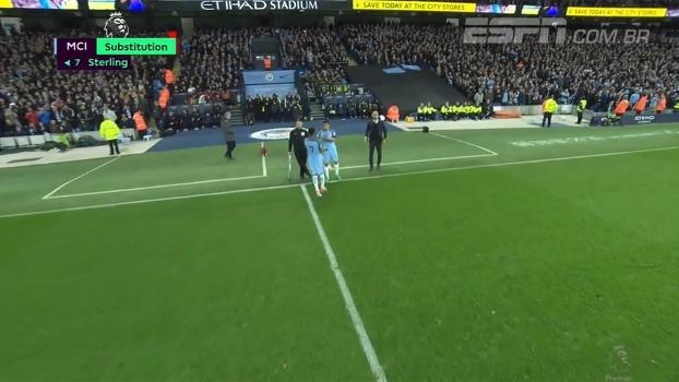 Gabriel Jesus entra em campo e volta a jogar pelo Manchester City