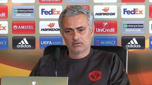 Mourinho confirma retorno de Rooney e projeta título na Europa League: 'Fim de temporada perfeito para nós'