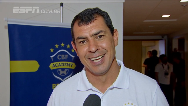 Campeão brasileiro, Carille participa do CBF Academy, dá aula para 'alunos' gabaritados e comenta futuro