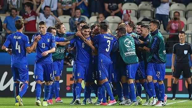 Com golaço de bicicleta, Itália vence a Dinamarca na estreia no Europeu Sub-21