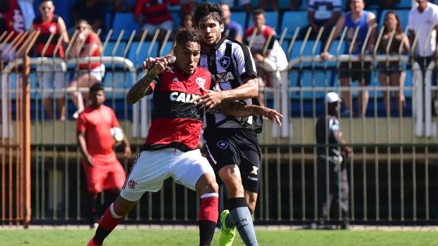 Muito calor e gramado péssimo: veja como foi o empate sem gols no clássico entre Flamengo e Botafogo