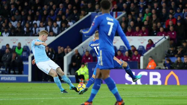Foguete de De Bruyne, precisão de Salah, frieza de Lukaku e mais: veja os golaços da rodada na Premier League