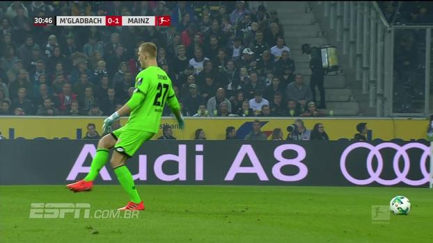 Bertozzi ri de quase lambança de goleiro do Mainz e brinca: 'Ainda bem que não aconteceu nada mais sério'