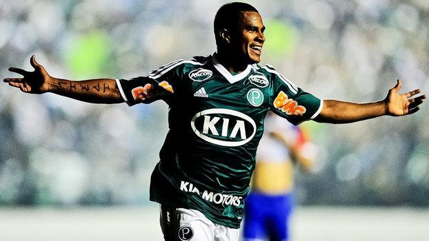Relembre lances de Mazinho, o 'Messi Black', pelo Palmeiras