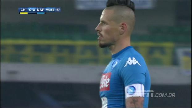 Napoli tropeça para Chievo fora, fica no empate sem gols e vê Juventus encostar na tabela