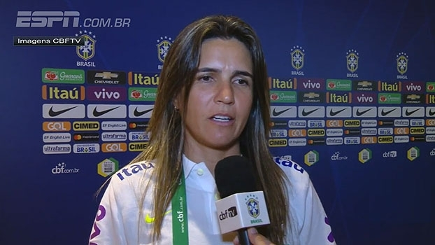 Técnica da seleção brasileira feminina comemora vitória: 'Novatas mostraram porque vieram'