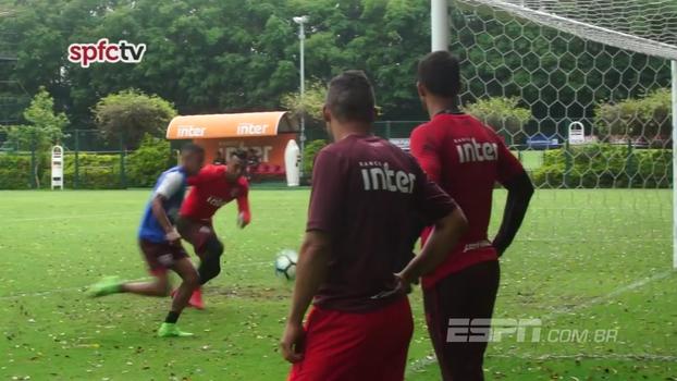 Promessa do São Paulo, Brenner faz golaço em Sidão durante treino tricolor