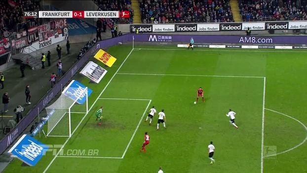 Volland garante vitória do Leverkusen sobre o Frankfurt e time sobe para a sexta colocação na Bundesliga