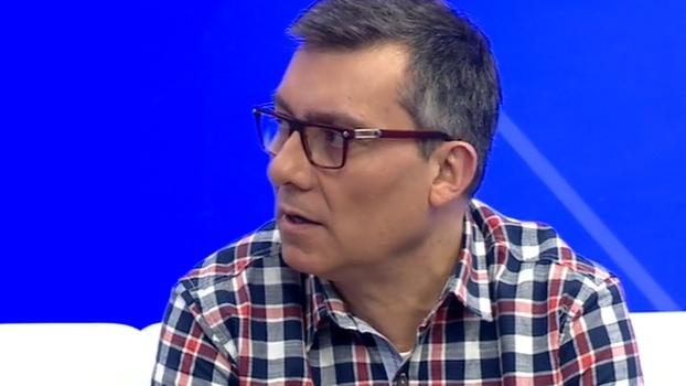 Para Calçade, Corinthians passa por momento de pequena irregularidade: 'O rendimento já foi melhor'