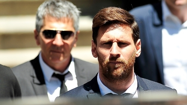 Messi é condenado a 21 meses de prisão por sonegação de impostos